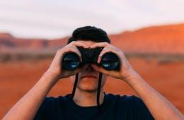 オブザベーション(行動観察調査)とは?マーケティングに取り入れるメリットや企業の実施例を紹介