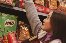 陳列棚の品切れをAIが検知 あらゆる商品に対応できる新システムの提供開始
